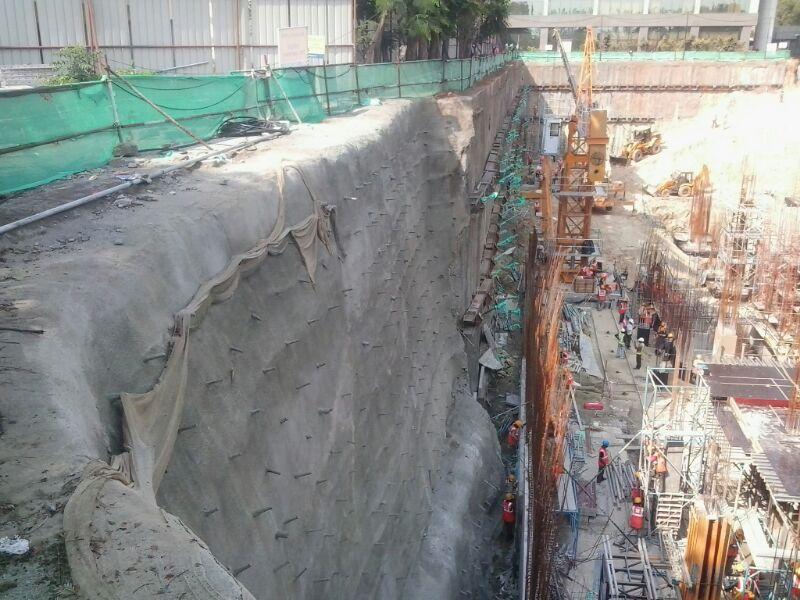 Soil nailed wall
